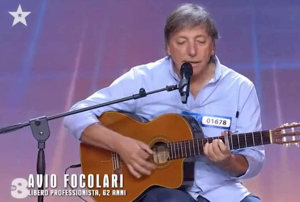 """FISCHIA CHE TALENTO - LA SORPRENDENTE PERFORMANCE DI AVIO FOCOLARI A """"ITALIA'S GOT TALENT"""":..."""