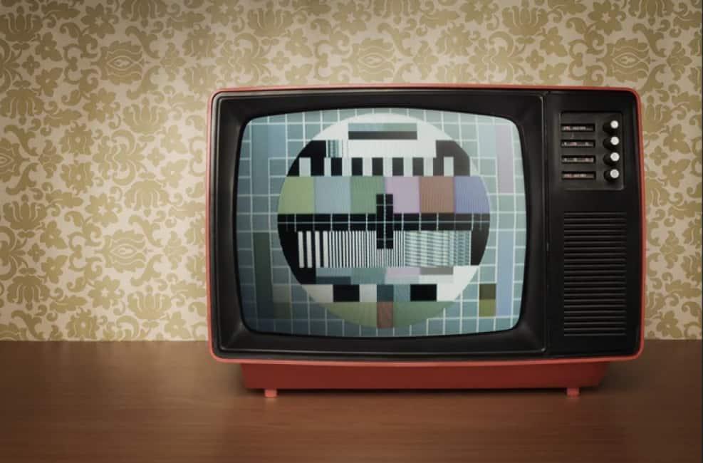 SE IL TELEVISORE DIVENTA NERO NON PIGLIATELO A BOTTE, VA CAMBIATO! - DA SETTEMBRE 36 MILIONI DI APPARECCHI RISCHIANO L'OSCURAMENTO:...