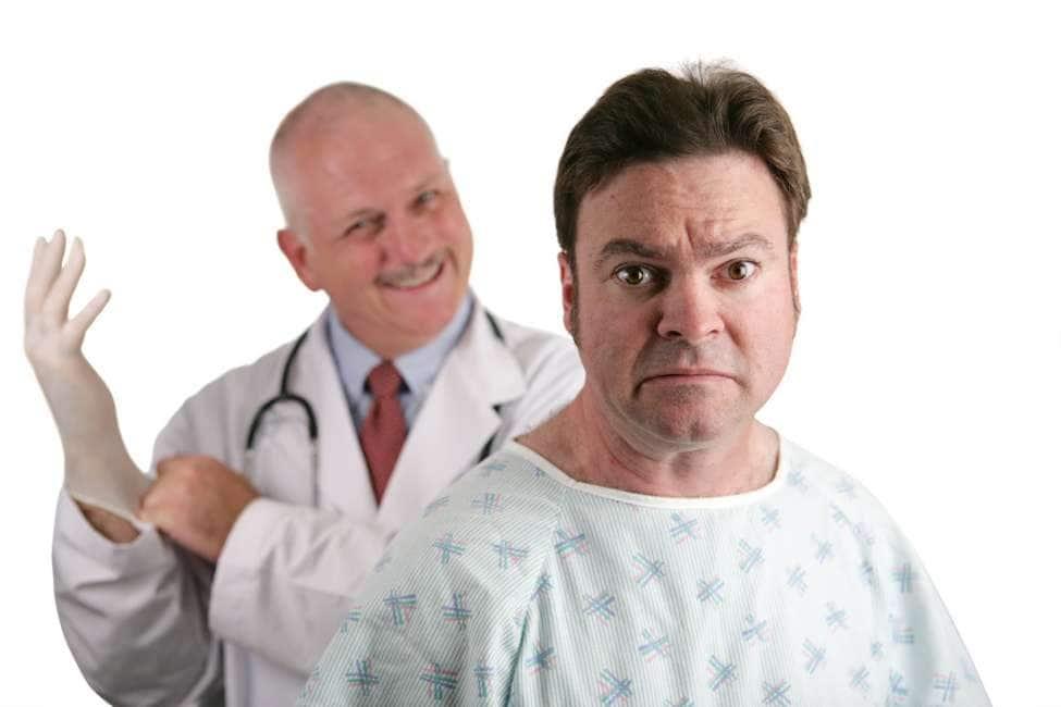 linfermiera controlla la prostata
