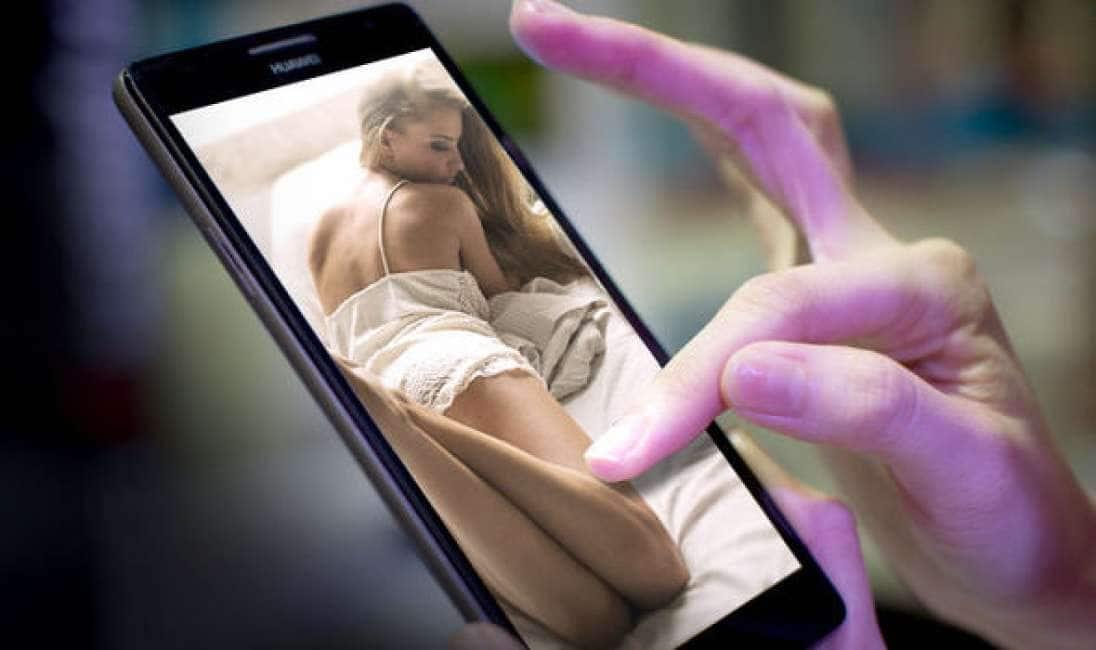 Bella casalinga punizione a popolare scena video di sesso.