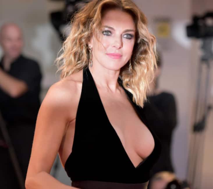 Caramella campione porno attrice