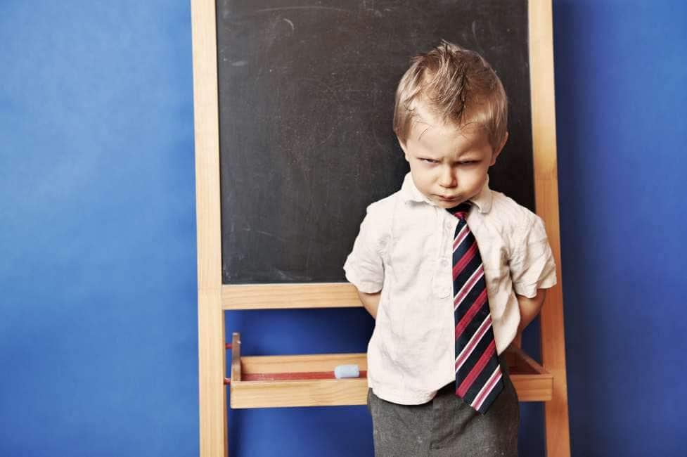 ARIDATECE ERODE - UN BIMBO DI 4 ANNI UNICO A NON RICEVERE IL REGALO DI NATALE IN CLASSE:...